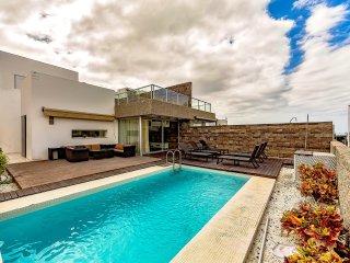Luxury villa in Del Duque 6 bedrooms