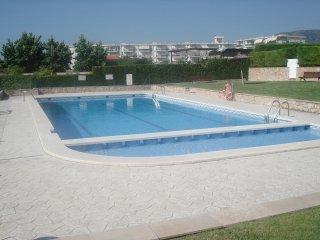 Unifamiliar lujo  primera linea playa, con piscina, en centro urbano..