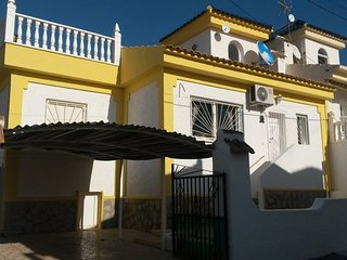 Beautiful Quad Villa + view over salt lakes, near Golf, 30 km south of Alicante