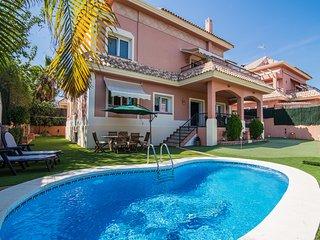 Sunny Benalmádena Coast Villa