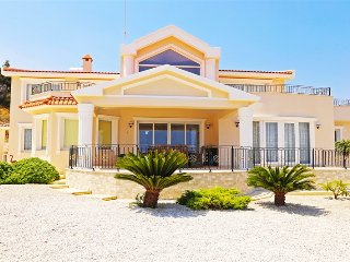 Villa Panorama sleeps 7 with 4 bedrooms and 2 bathrooms