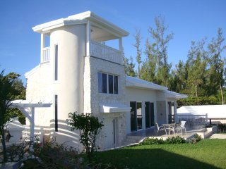Thinking of Paradise?  Think of Helios House, Eleuthera, Bahamas!