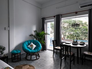 Vietnam1989 ★ Dreamy House w Sunny Balcony 5Min to Ben Thanh Mkt