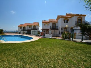 Very spacious 4 bed 2 bath holiday home with great views and free WiFi.