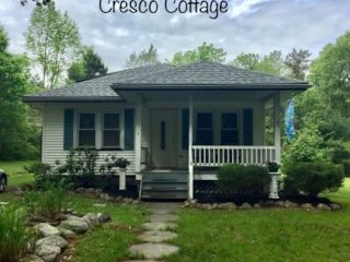 Cresco Cottage-minutes from Pocono attractions!
