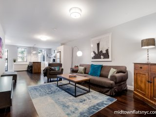 MIDTOWN FLATS NYC-Legal 4 Bedroom Designer Residence- Read Our Reviews