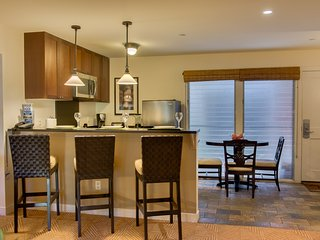 Aina Nalu Premier Condo A107 20% off AND 4th night FREE! 8/18 - 8/31