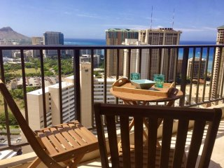 Diamond Head and Ocean View Condo in Chateau Waikiki with a parking