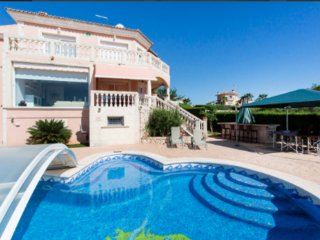 Sa Torre, fabulous villa in a quiet place with views.