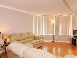 Vacations Rental 2 BR Suite in Mississauga - 1815O1