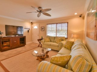Gulf Sol Condo | Tastefully renovated condo across from the beach