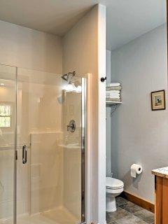 This home features 1 pristine full bathroom.