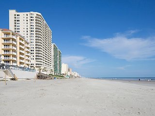 Daytona SeaBreeze, Daytona Beach FL, Oceanfront 2 Bedroom Villa on the Beach