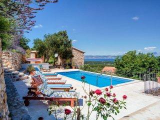5 bedroom Villa in Pitve, Splitsko-Dalmatinska Županija, Croatia : ref 5390879