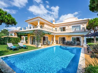 4 bedroom Villa in Vale do Lobo, Faro, Portugal : ref 5217959