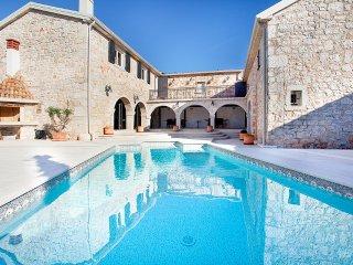 4 bedroom Villa in Kloštar, Istria, Croatia : ref 5048837