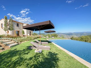 3 bedroom Villa in San Giovanni del Pantano, Umbria, Italy : ref 5048991