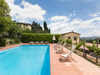 16 bedroom Villa in Panzano in Chianti, Tuscany, Italy : ref 5049007