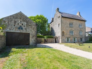 Caldicot Chateau Sleeps 16 - 5217611