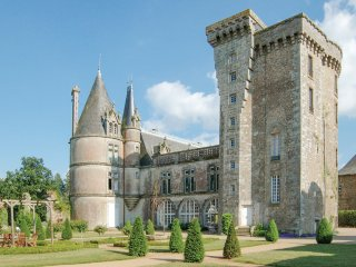 5 bedroom Chateau in La Flocellière, Pays de la Loire, France : ref 5049822