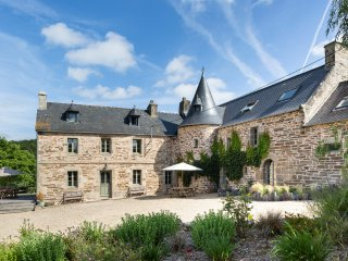 7 bedroom Chateau in Saint-Méen-le-Grand, Brittany, France : ref 5049757