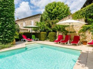 6 bedroom Villa in Pujols-sur-Ciron, Nouvelle-Aquitaine, France : ref 5049655
