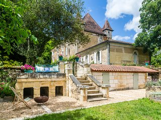 6 bedroom Chateau in Nouzet, Nouvelle-Aquitaine, France : ref 5049618