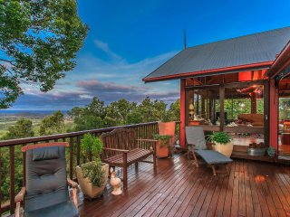 Hinterland Heaven - Tranquil forest retreat with spectacular coastal views