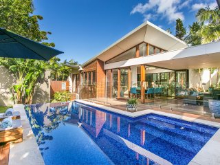 Amalfi Villa Byron - Luxurious Beachfront Hideaway