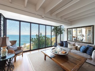Pacific Clifftop - live like a local