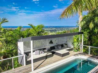 Stargazey - stylish home w/ ocean views & pool
