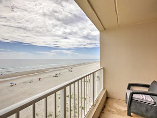 New! 2BR Ponce Inlet Condo on the Beach w/ Pool!