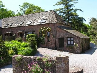 Allerford Cottage, Near Dunster - Sleeps up to 5 guests in 3 bedrooms, on site s
