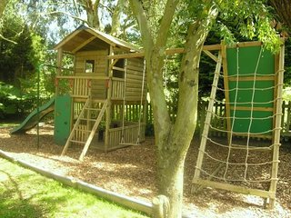 Luccombe Cottage, Near Dunster - Family and dog friendly holiday cottage for 6
