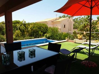 Modern house with private pool in Colonia de Sant Pere. 4 people. BBQ and terrac