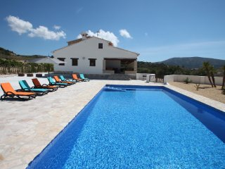 Finca Argudo - private pool villa in Teulada