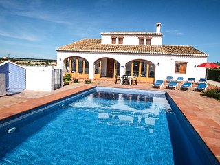 Finca Pepa - beautiful little house in pretty grounds with lovely views in Benis