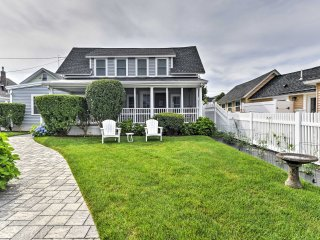 Upper Cape Cod Bayfront House - Walk to Beach!