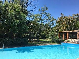 Stupenda villa con piscina privata e bel giardino