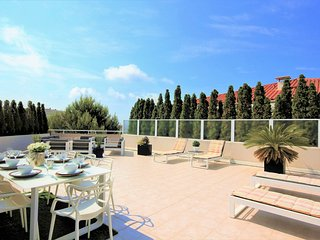 3 Bedroom Apartment Rental in Juan les Pins - Perfect base for sun-worshippers!