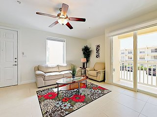 Stylish 3BR w/ 2 Balconies & Pool, Steps to Beach, Walk to Bars & Restaurants