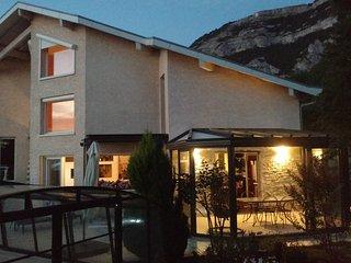 4* appart haut standing / esprit chalet - Piscine chauffee - Vue sur Geneve