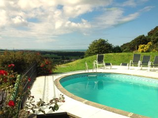 'Geufron Holiday Cottages' Geufron Farmhouse 4 bedroom fab views pet welcome