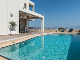 Dioni Luxury Seaview Villa, Kontomari Chania