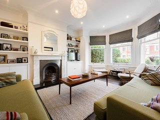 Gorgeous, 4 Bed Victorian house in Dollis Hill, North West London