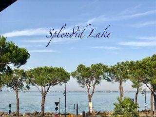 splendid lake