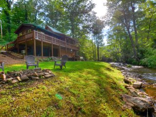 Cute Cabin on the Creek near Dillsboro