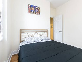 NEW-Awesome 2 Bed. Minutes to Manhattan!