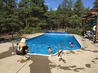 Lazy G Lodge on 35 Acres, 15 Minutes from Durango and Airport