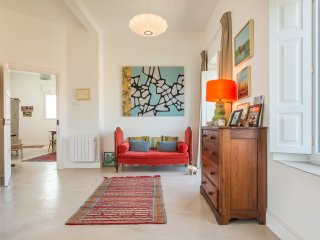 Bright property with views of Plaza del Museo. PLAZA DEL MUSEO